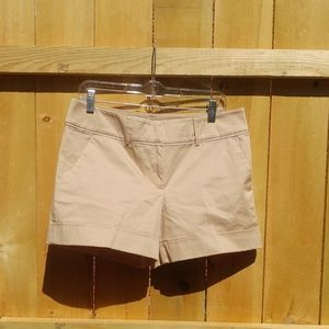 NWT New York & Co tan/khaki shorts size 8